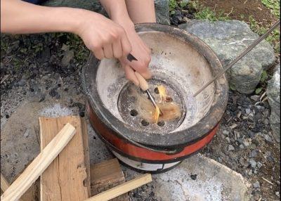 火起こしと薪割り
